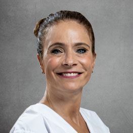 Dra. Regina Bass